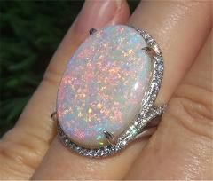Shiny Oversized Oval Egg Design Fire Opal Ladies Ring 4 Claw Inlaid Peripheral Fine Crystal Wedding Ring